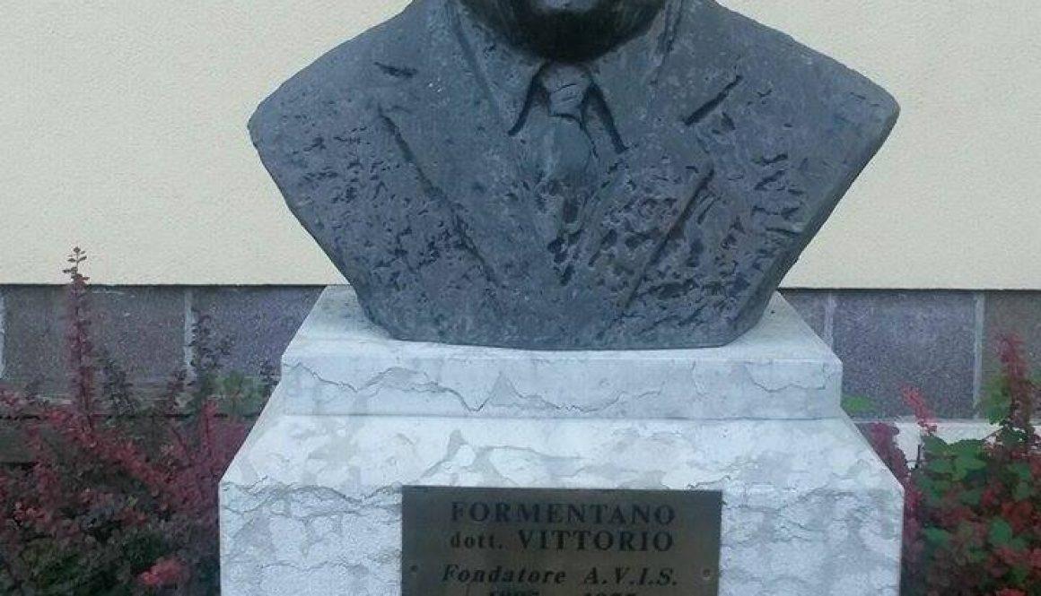 Monumento al fondatore AVIS, Vittorio Formentano,, Cles, Trento