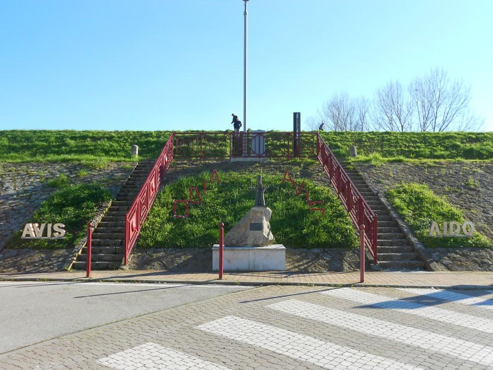monumento al donatore AVIS AIDO, Polesella, Rovigo
