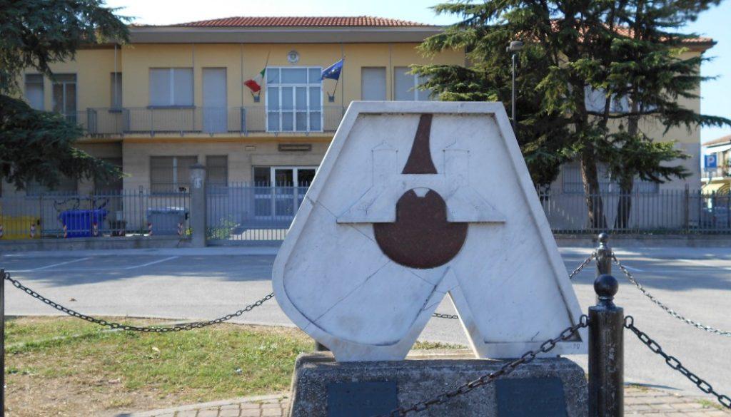 monumento al donatore, Comacchio, Ferrara