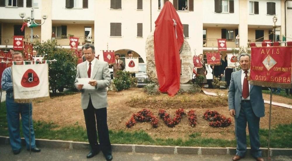 24 aprile 1988 inaugurazione del monumento AVIS di Osio Sopra