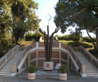 monumento ai donatori di sangue AVIS, Revere