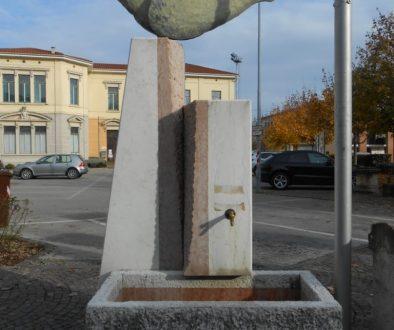 monumento, fontana, AVIS, Malo 31-1-1999
