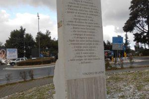 retro con poesia Vincenzo Bianchi, monumento AVIS, Recanati